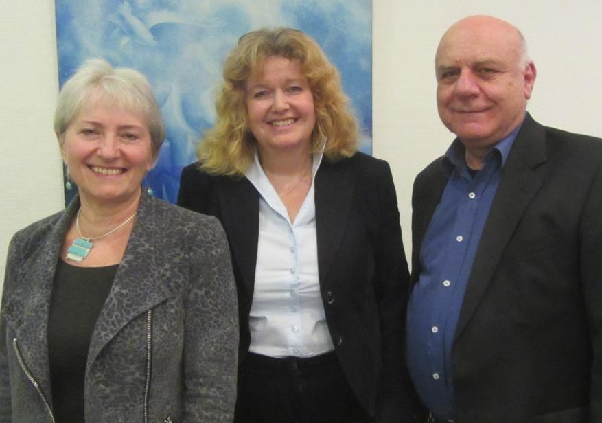 Vorstandsmitglied Susanne Jakubowski, Vorstandssprecherin Prof. Barbara Traub M.A. und Vorstandsmitglied Michael Kashi (v.l.n.r.)