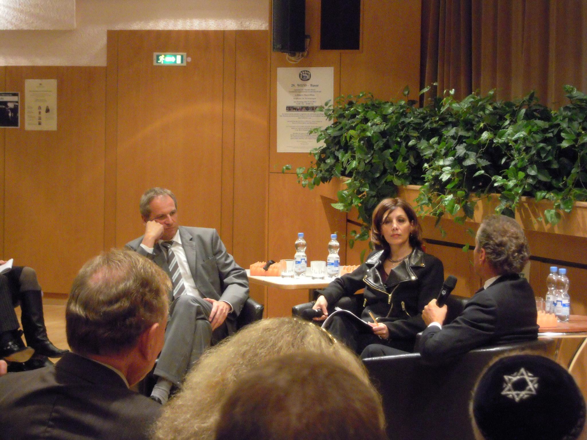 Podiumsgespräch zwischen Integrationsministerin Öney, Innenminister Gall und Dr. Dr. Michel Friedman